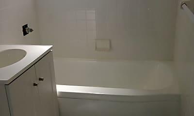 Bathroom, 82-48 135th St, 2