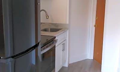 Kitchen, 635 MacArthur Blvd, 0