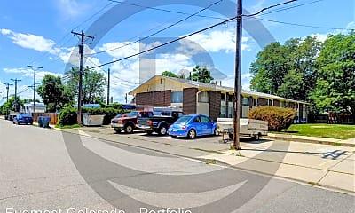 Building, 1441 Kimbark St, 2
