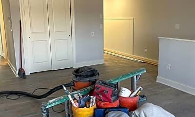 Living Room, 709 Burdeck St, 1