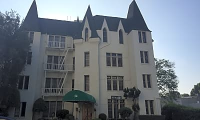 Le Chateau Apartments, 0