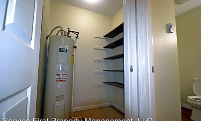 Bathroom, 404 Hillcrest Dr, 2