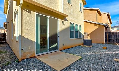 Building, 2352 la Villa Way, 2