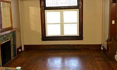 Bedroom, 537 N 6th St, 1