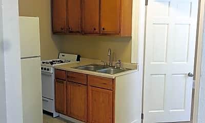 Kitchen, 517 E 4th St, 1