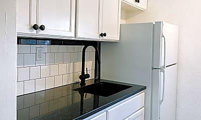 Kitchen, 1722 N Lindsay Ave, 1