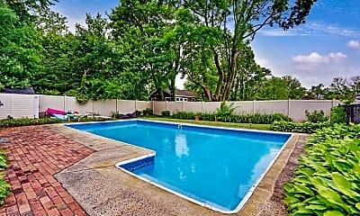 Pool, 77 Pinewood Ave, 1