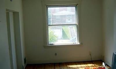 Building, 706 Trenton Ave, 2