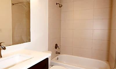 Bathroom, 418 12th Ave E, 2