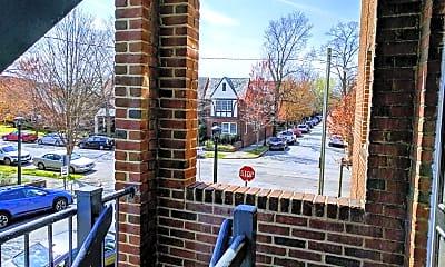 Patio / Deck, 2700 Kensington Ave, 2