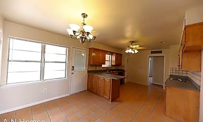 Kitchen, 1607 E Everglade Ave, 1