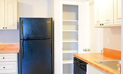 Kitchen, 1251 Sumner Ave, 1