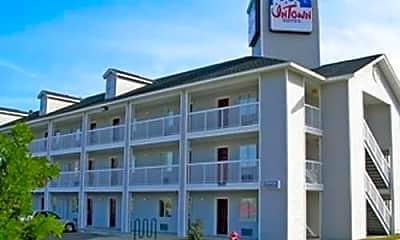 Building, InTown Suites - Lamar Boulevard (LMR), 0