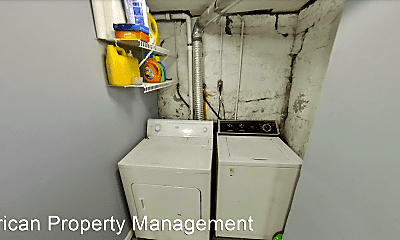 Bathroom, 921 Kearney St, 2