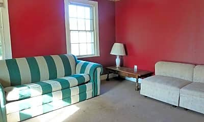 Living Room, 81 Maple St, 2