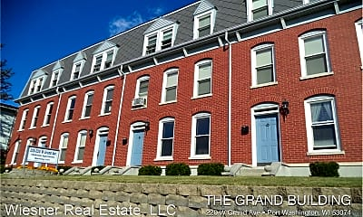 220 W Grand Ave, 0