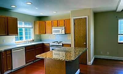 Kitchen, 9715 NE 41st Ave, 2