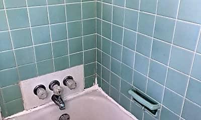 Bathroom, 302 Fountain Ave, 2