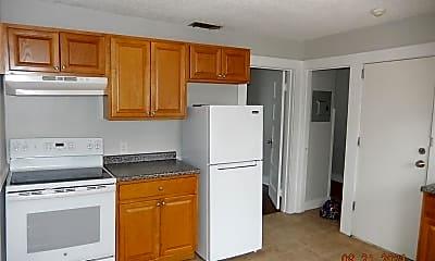 Kitchen, 38 Gridley St 42, 1
