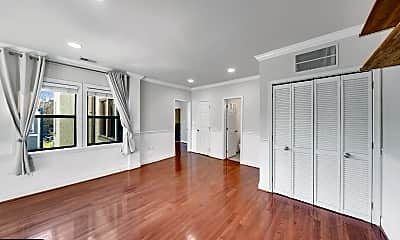 Living Room, 315 Evarts St NE 204, 1