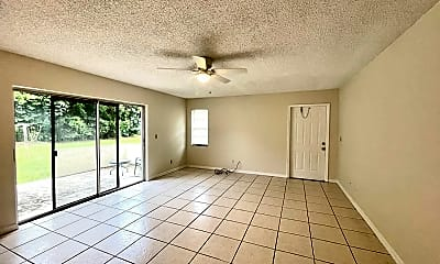 Living Room, 304 S 14th St, 1
