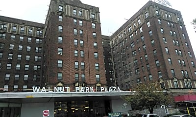 Walnut Park Plaza, 0