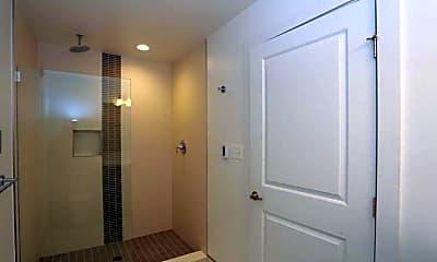 Bathroom, 613 Portland St, 2