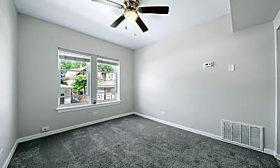 Living Room, 2410 N Kilbourn Ave 2, 2