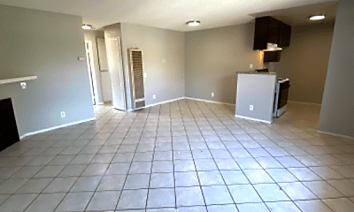 Living Room, 2065 Magnolia Ave, 2