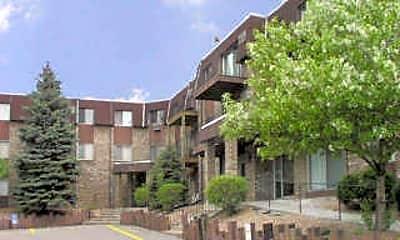 Amberwood Place Apartments, 2