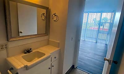 Bathroom, 3595 Elm Ave, 2