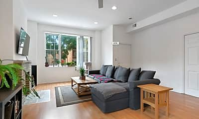 Living Room, 2000 W Huron St, 1