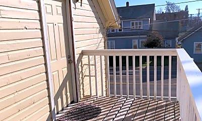 Patio / Deck, 303 N Holly St, 1