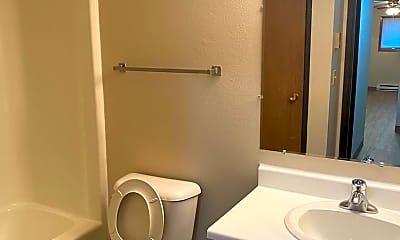 Bathroom, 1401 27th Ave S, 2