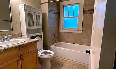 Bathroom, 2025 N Laura St, 2