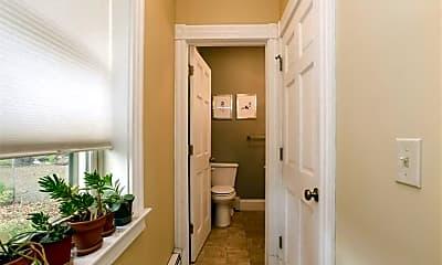 Bathroom, 51 Ashley St, 2