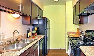 Kitchen, 11135 E Lake Highlands Dr, 2