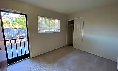 Living Room, 3491 Brookdale Dr, 2