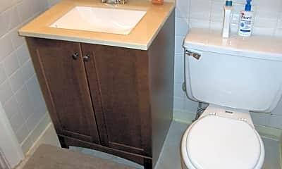 Bathroom, 2904 Central St, 2