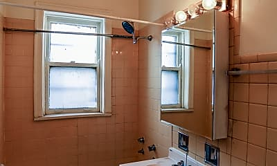 Bathroom, 4717 N Winchester Ave, 2