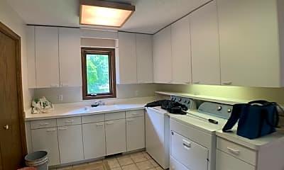 Kitchen, 7420 Hyde Park Cir, 2