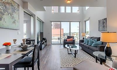Living Room, 1168 S Barrington Ave 513, 0