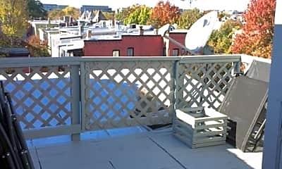 Patio / Deck, 531 9th St NE, 2