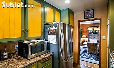Kitchen, 2908 Hillcrest Rd, 2