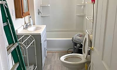 Bathroom, 2047 Magnolia Ave, 1