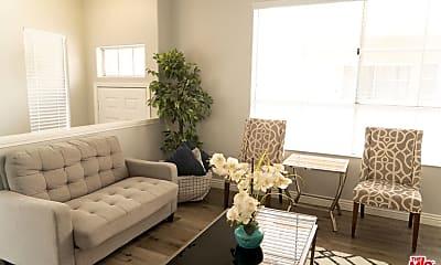 Living Room, 6921 Hazeltine Ave C, 1