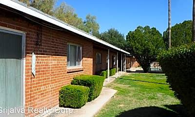 Building, 1273 E Glenn St, 2