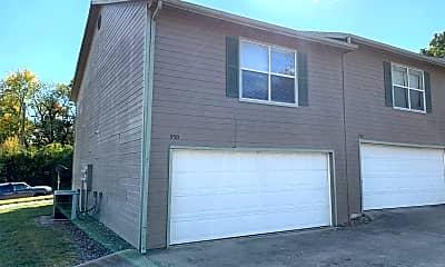 Building, 950 W Eagle St, 1