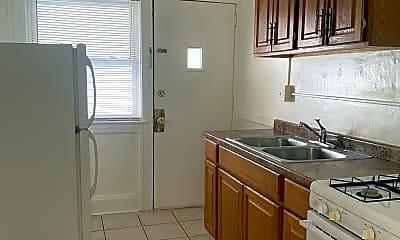 Kitchen, 1368 West Blvd, 0