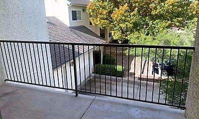 Patio / Deck, 506 Gateway Pkwy, 2